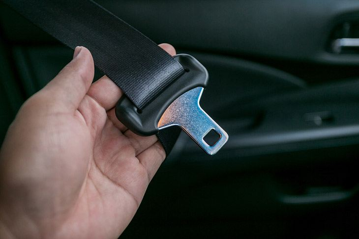 Cleaning Your Seat Belt