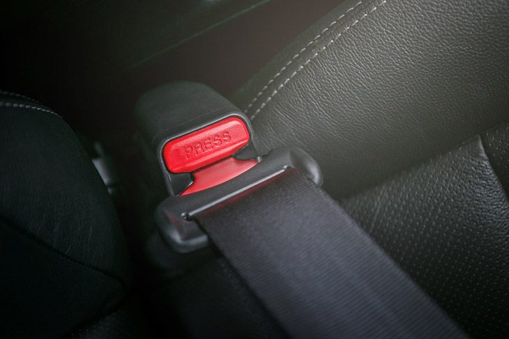 how to fix a seat belt that won't retract